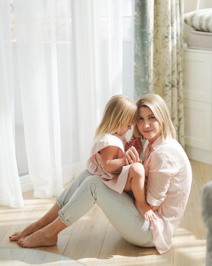 Днем, картинки с дочерью директора